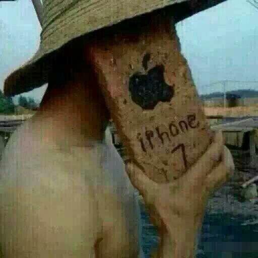 砖头版手机,想拍谁就拍谁