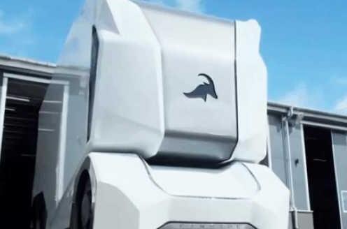 遥控货车 无人驾驶新方向 货车中的战斗机