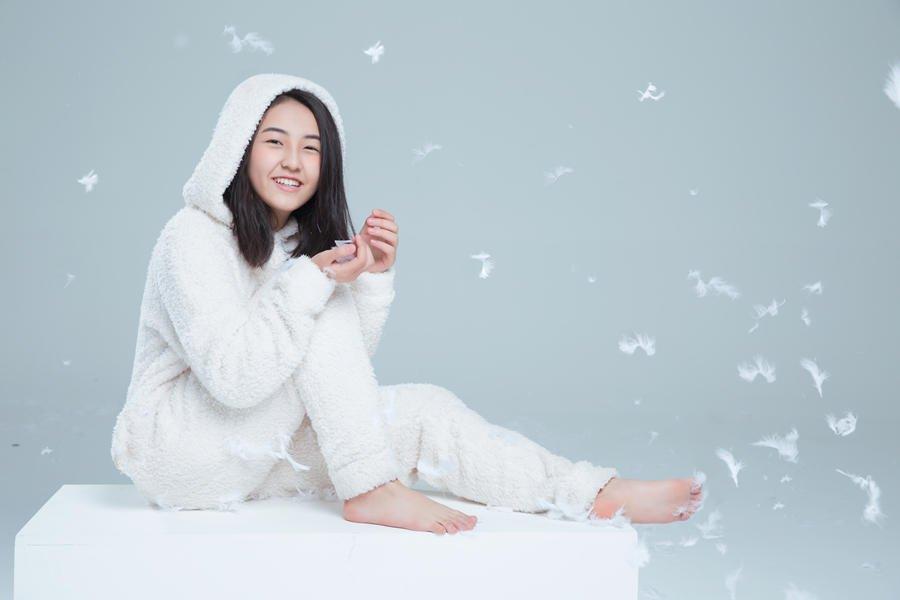 张子枫最新写真 古灵精怪 灵气十足