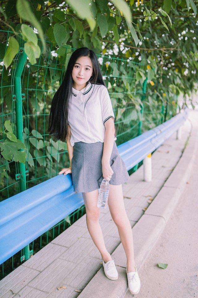美女校花长发长腿清纯分外迷人 写真