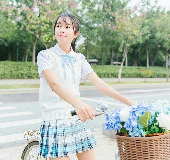 制服美女清纯唯美写真 青春活力型
