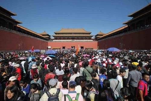 国庆长假旅游大数据 境内最热TOP10景点 香港成80、90后最爱去目的地