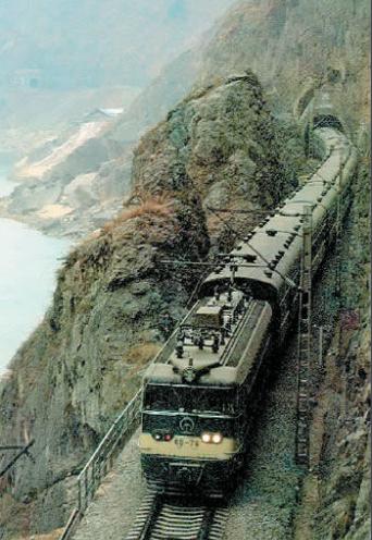 中国第一条电气化铁路叫什么?中国第一条电气化铁路介绍