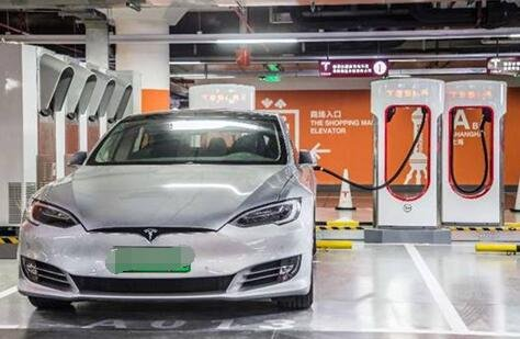 50辆同时充电!特斯拉全球最大超级充电站落户上海