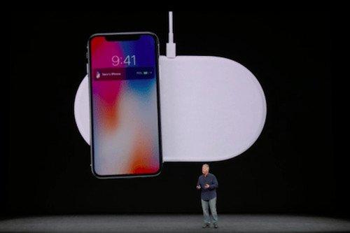 苹果提醒消费者:iPhone无线充电可能损坏信用卡