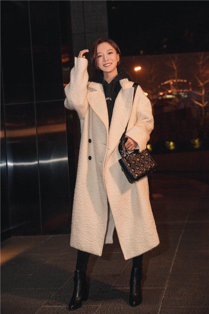 王璐丹演绎秋冬时尚搭配法则