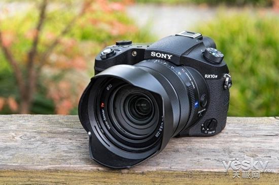 一镜拍天下 索尼黑卡相机RX10 IV评测