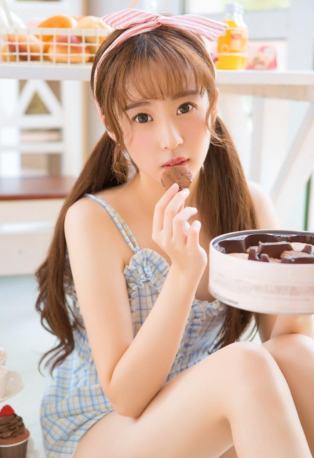 可爱少女甜美意境吃早餐写真集