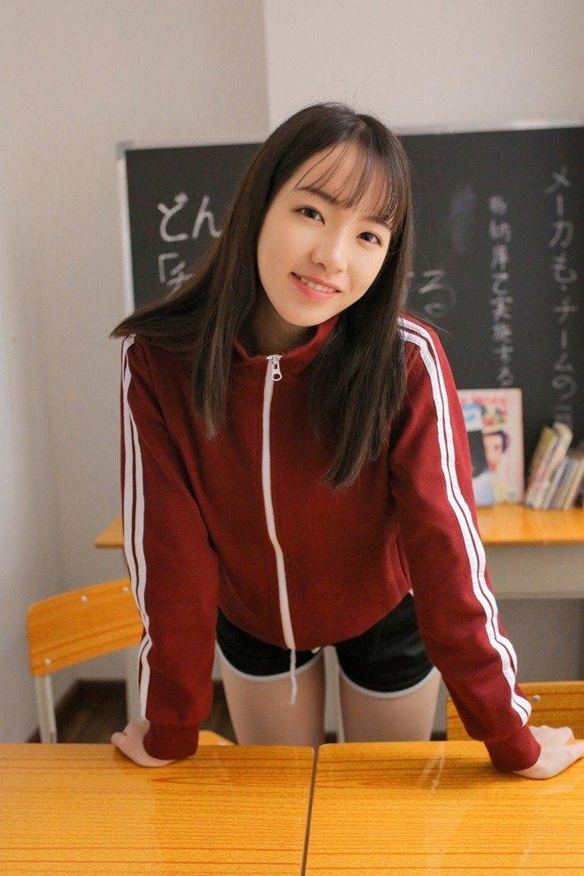 校花美女制服运动装青春活力美腿欣赏写真