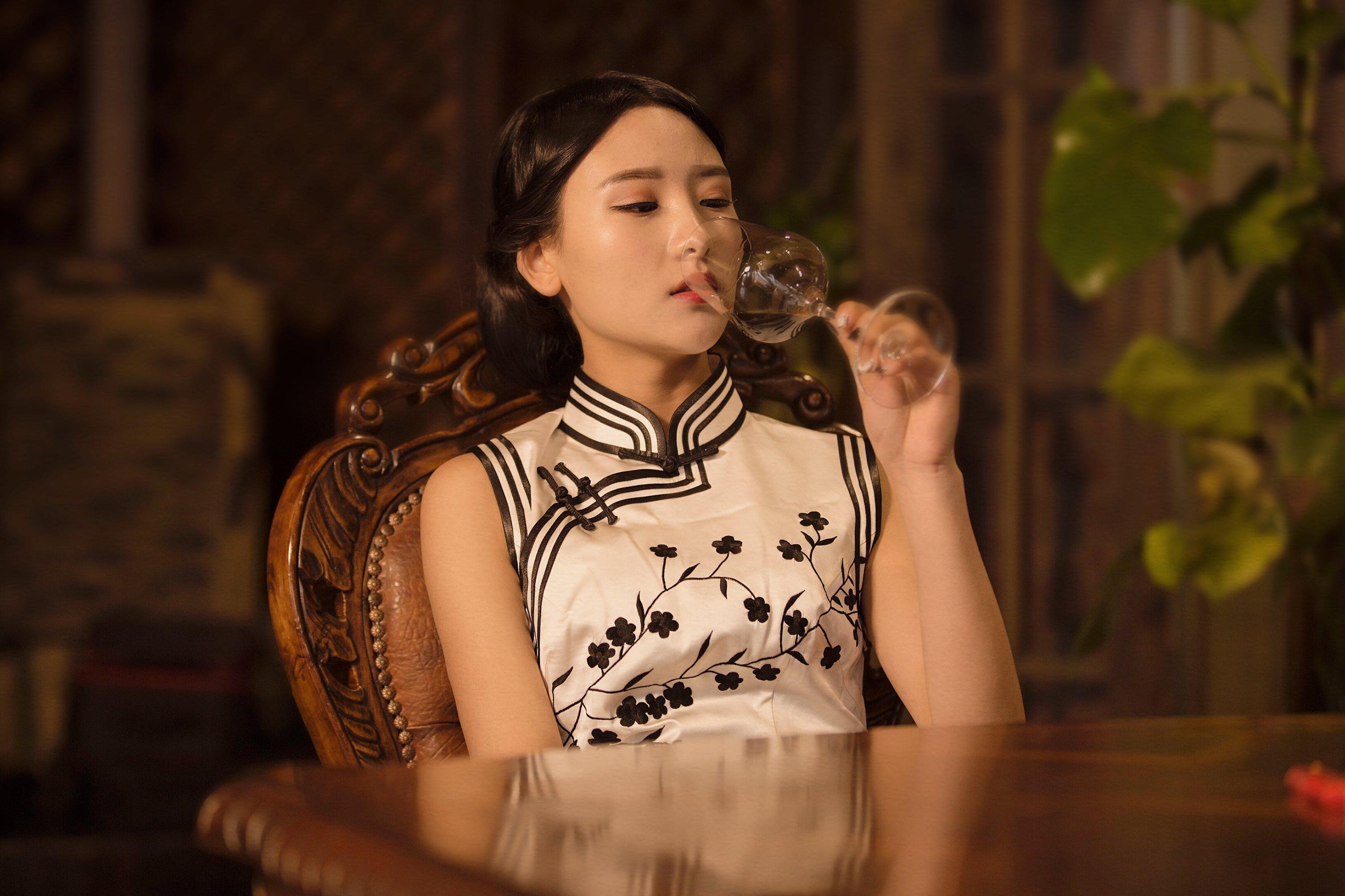 演员仝爱爱演绎大上海复古风