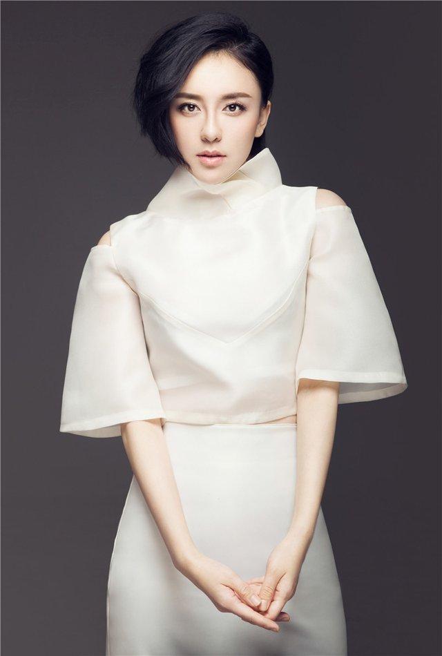 美女明星吕佳容清新迷人写真
