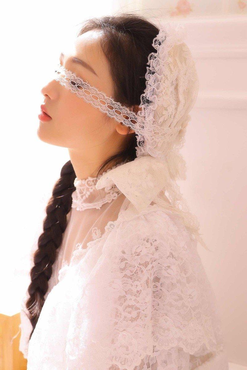古典蕾丝婚纱美女香艳私房写真