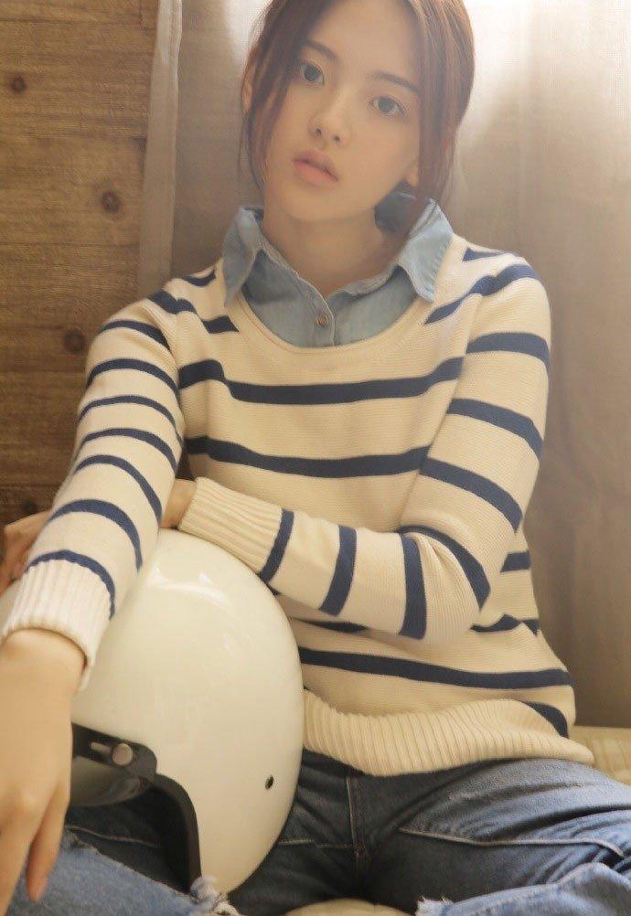 甜美少女杨超越可爱照片