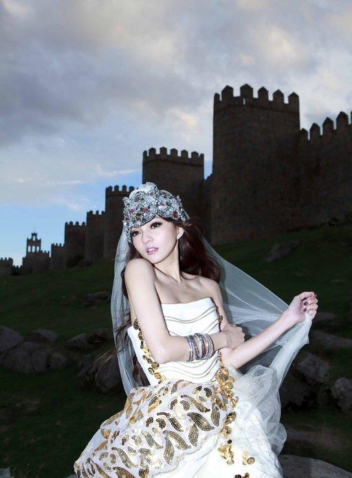 张韶涵演绎异国公主高清写真