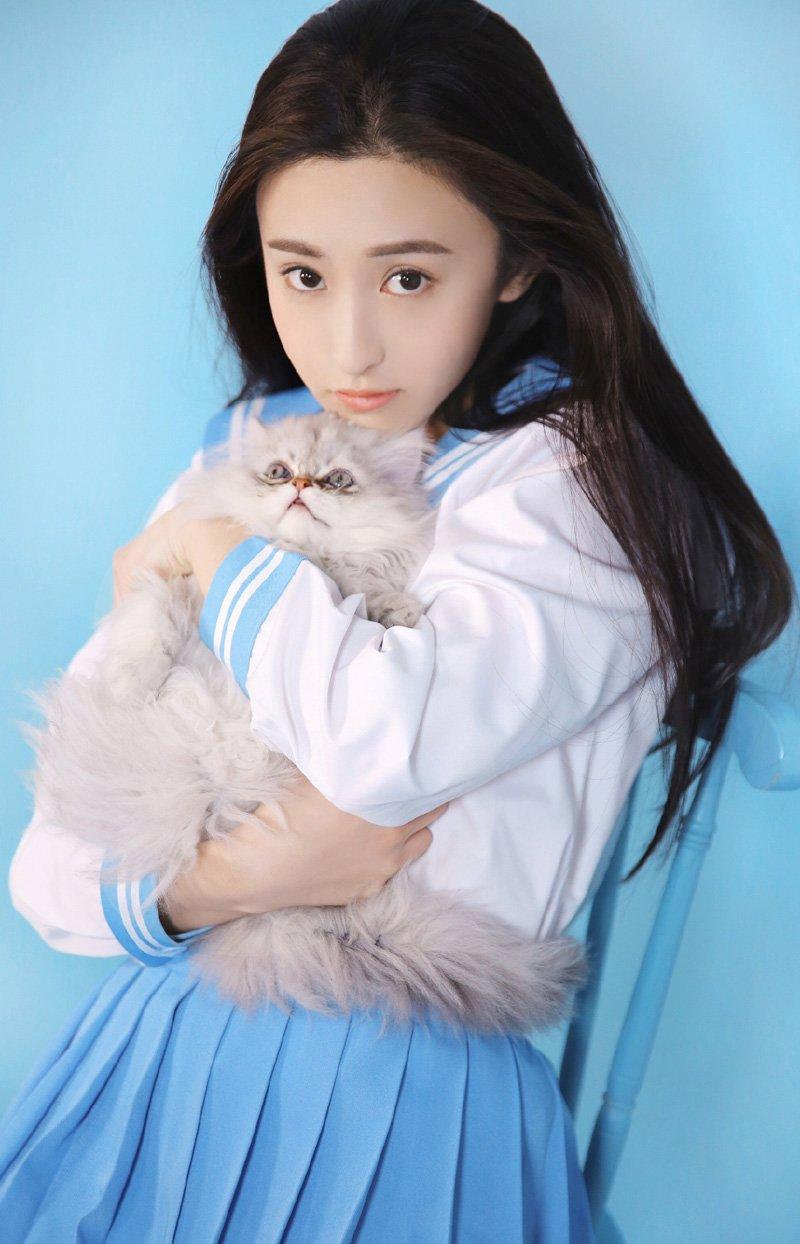 朱圣祎清纯甜美可人写真图片