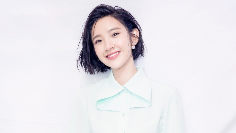 甜美女神唐艺昕时尚写真图片