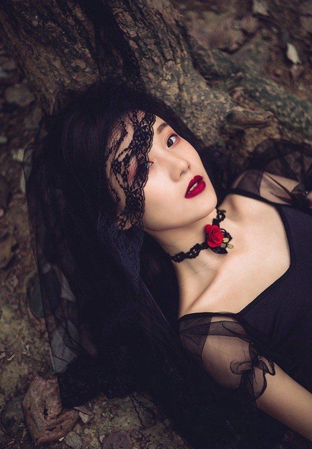 黑玫瑰天使蒙面森林系唯美写真图