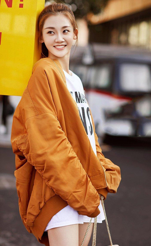 苗苗西装街拍时尚写真