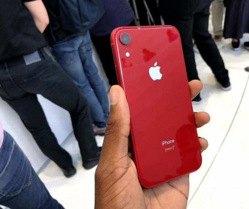中国出货量降两成 苹果将推新iPhone XS救火:售价万元