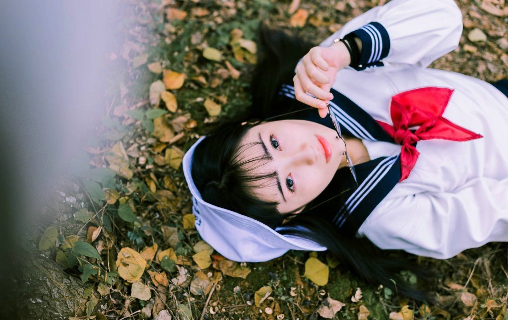 刘海美女学生粉嫩阳光清甜可人