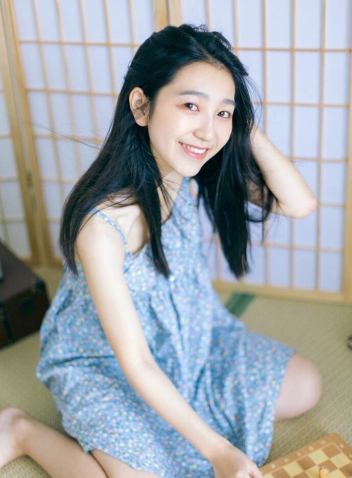 日系小清新美女萝莉白嫩诱人私房写真图片