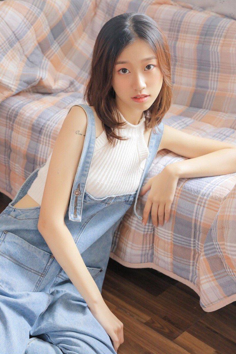 妖娆美女模特性感火辣美女大胆写真