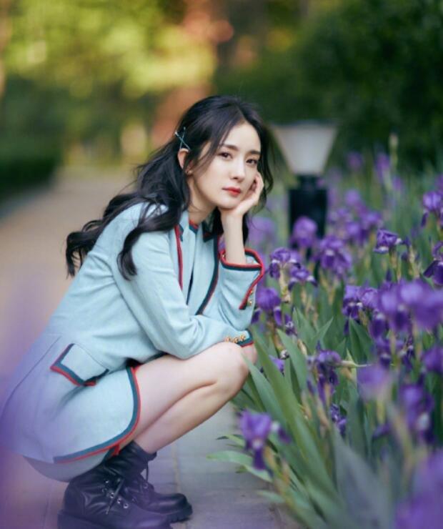 北京美女杨幂时尚亮眼