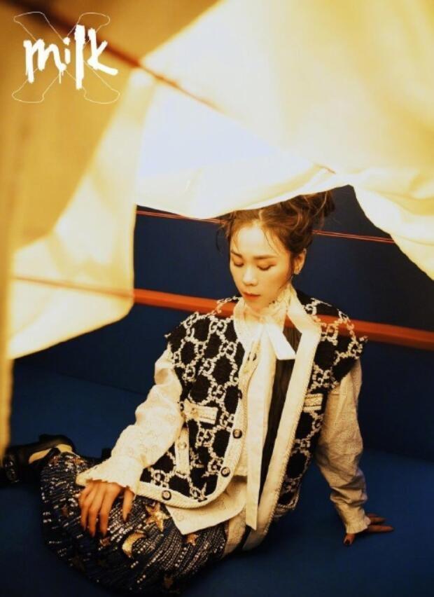 歌手蔡健雅《MilkX》封面寫真