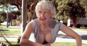 女人的优雅性感从不取决于年龄