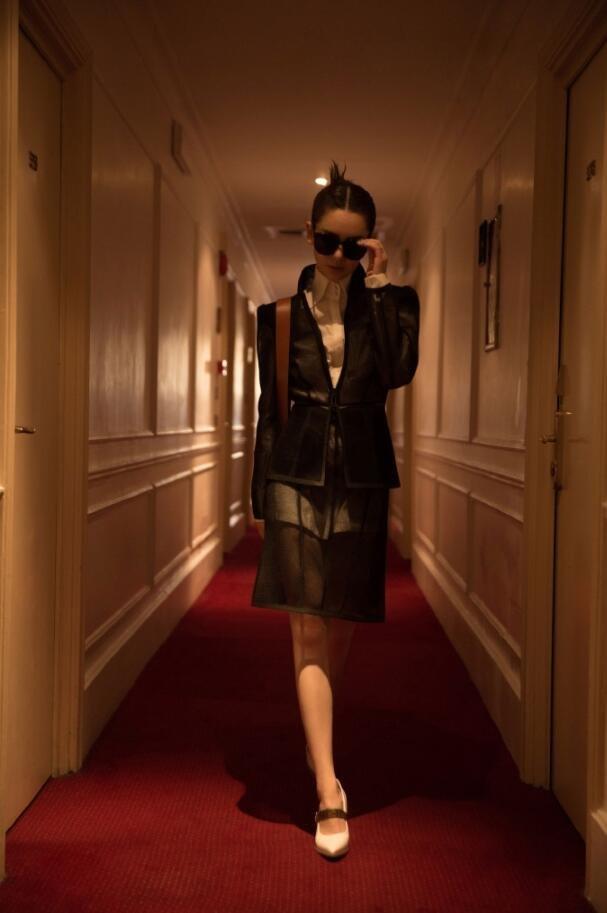 戚薇法老妆出席Fendi高定秀场图片