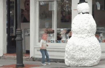 雪人成功的颠覆了童年的世界