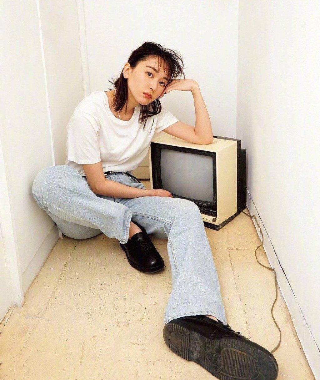 日本美女百变酷美杂志写真图片
