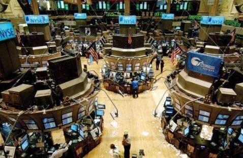 美股三大股指收跌均超1%!銀行股集體走低