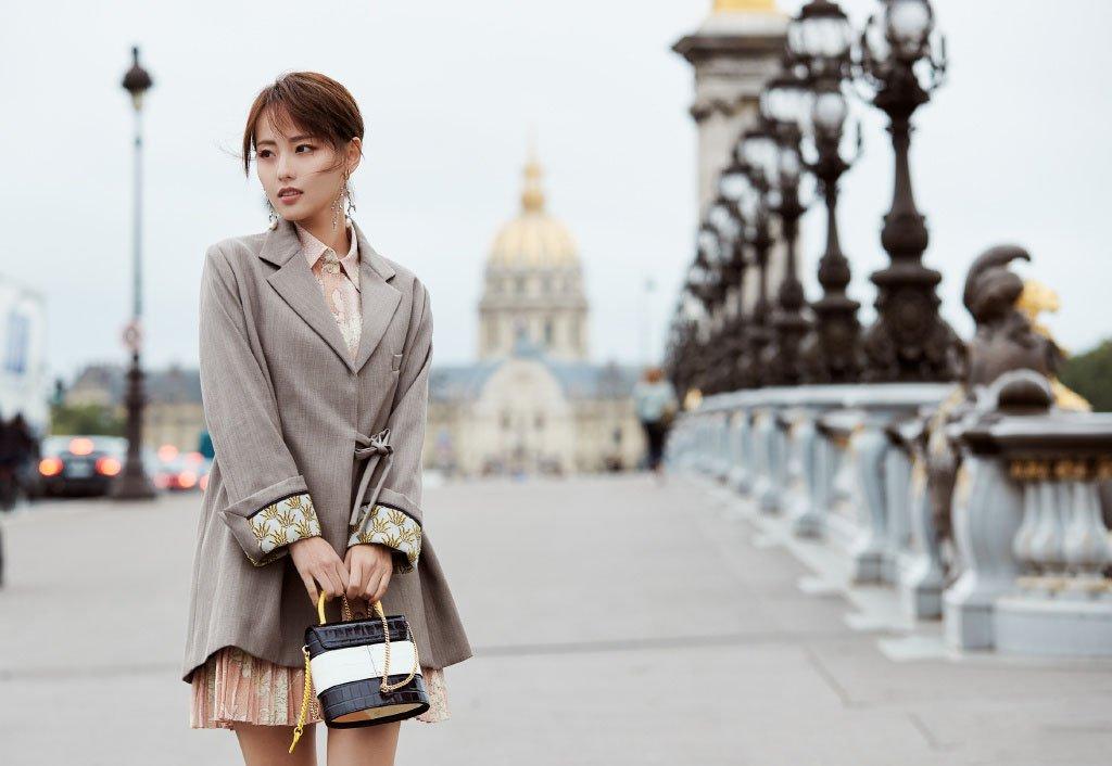 张嘉倪巴黎时装周写真图片