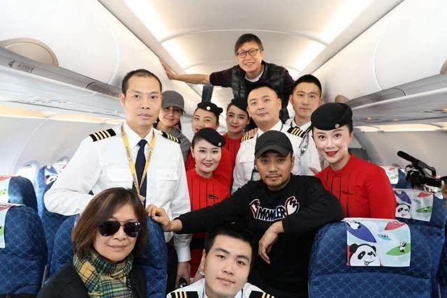 《中国机长》幕后拍摄花絮曝光,原来全程是这样飞的...