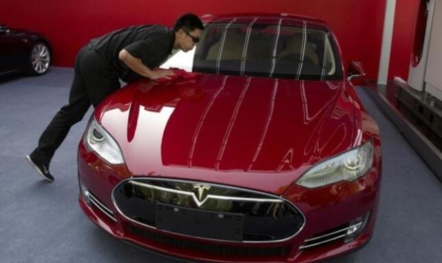 特斯拉首批中國產轎車下線 售價5萬美元起