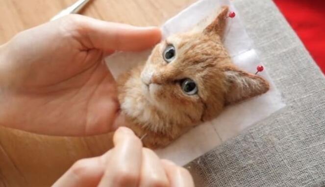 日本艺术家用羊毛毡制作超逼真的3D猫肖像