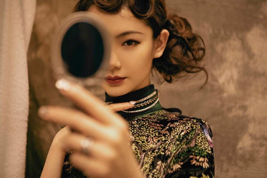 戚薇旗袍复古性感写真图片