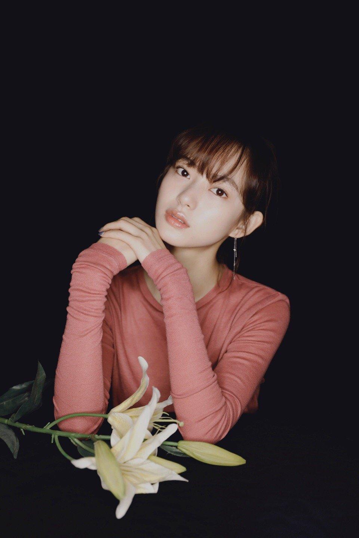 陈雨锶优雅知性写真图片