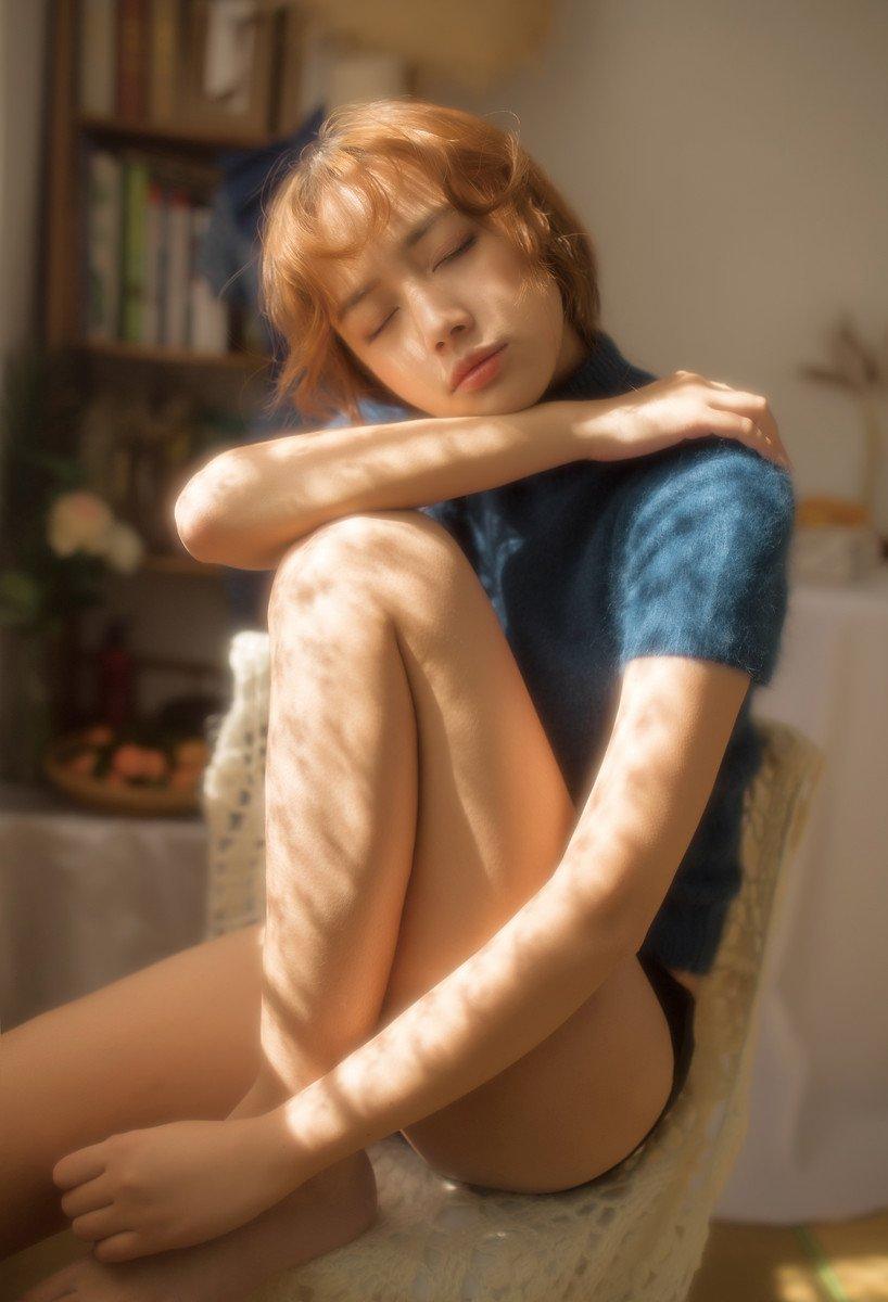 短发美女性感诱惑私房写真图片