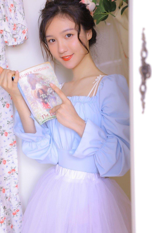 清純美女長裙日系唯美攝影寫真
