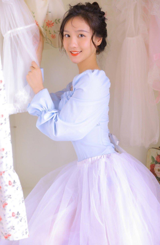 清纯美女长裙日系唯美摄影写真