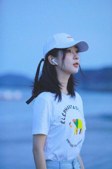 杨紫海边写真