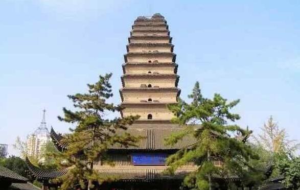 塔身开裂可自动合拢 千年不倒因神秘手印