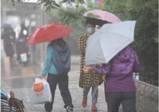 北京雷雨天氣