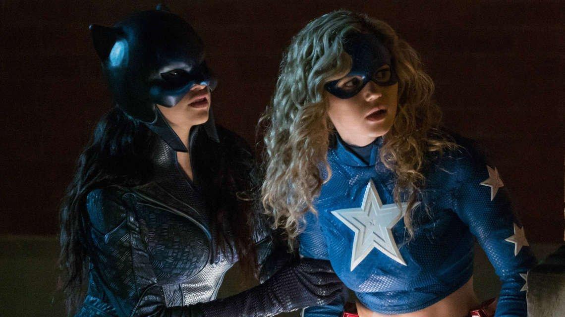 《星际女孩》第二季在CW电视台续订,不再是《华盛顿宇宙》的独家节目