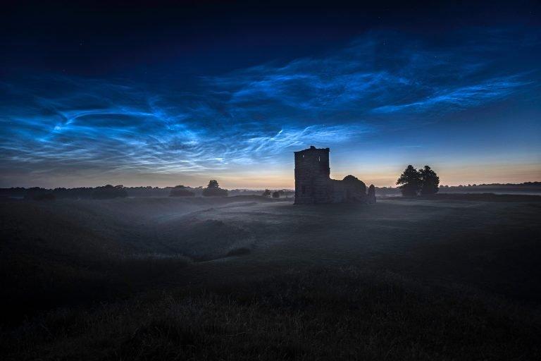 发光的云.jpg