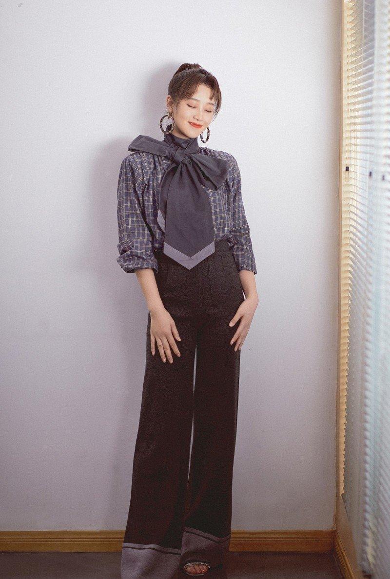 蓝盈莹气质时尚写真,窈窕淑女君子好逑!