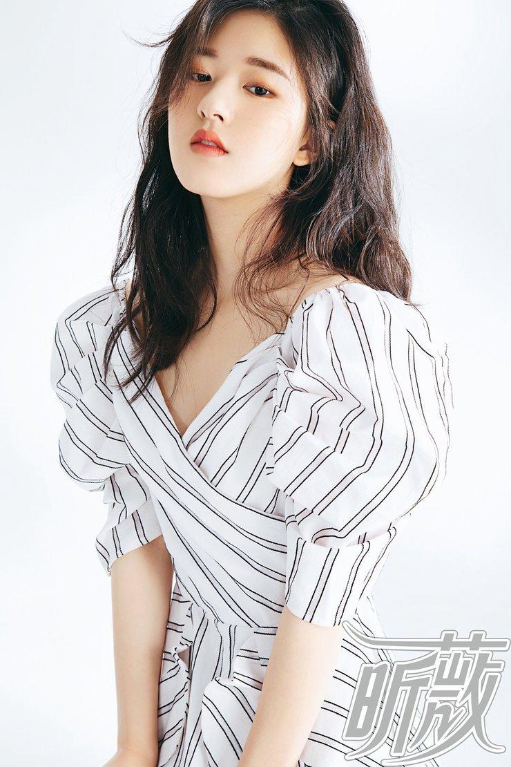赵露思曝夏日美妆大片 青春洋溢少女感十足