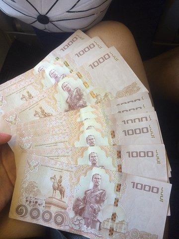 2000泰铢多少人民币呢,2000泰铢在泰国能过什么样的生活呢?